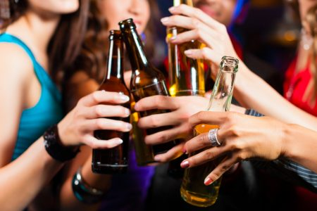 UK consumers 'rarely try new alcoholic drinks'