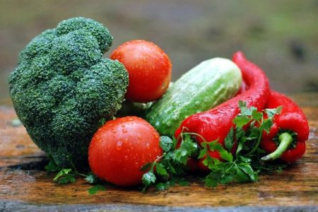 100 businesses pledge to increase vegetable consumption across the UK